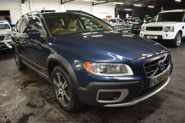 USED 2011 61 VOLVO XC70 3.0 T6 SE LUX AWD 5d 300 BHP ULEZ COMPLIANT - ULTRA RARE 3.0 T6 SE LUX - ONE PREVIOUS KEEPER - 9 STAMPS TO 76K - FACTORY REAR DVD SCREENS - REVERSE CAM -  POWERBOOT - INSCRIPTION PAINT - HEATED FRONT AND REAR SEATS