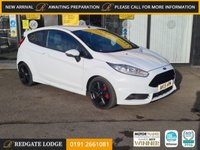 USED 2015 15 FORD FIESTA 1.6 ST-2 3d 180 BHP 6 SERVICES, LOW MILES