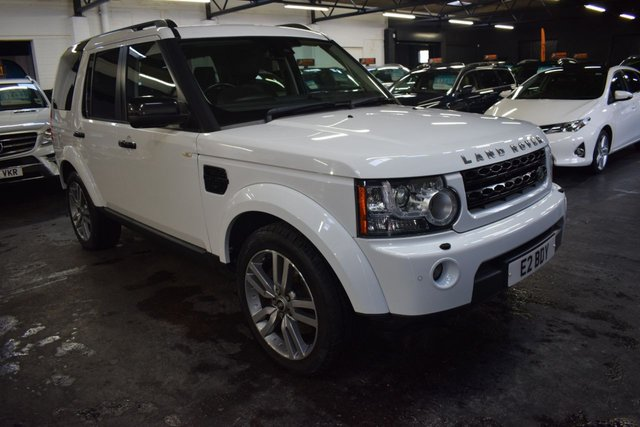 USED 2011 11 LAND ROVER DISCOVERY 4 3.0 4 SDV6 LANDMARK LE 5d 245 BHP GREAT VALUE RARE LE LANDMARK 3.0 SDV6 245 BHP - FULL LEATHER - SAT NAV - HEATED SEATS - 20 INCH ALLOYS - PRIVACY GLASS