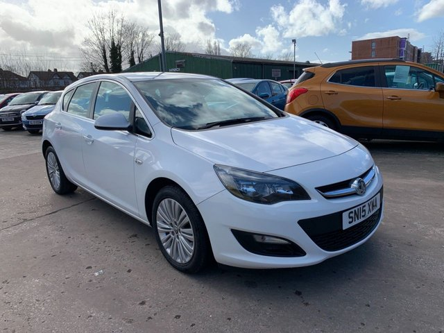 USED 2015 15 VAUXHALL ASTRA 1.6 EXCITE 5d 113 BHP ONE OWNER FROM NEW / FULL DEALER SERVICE HISTORY
