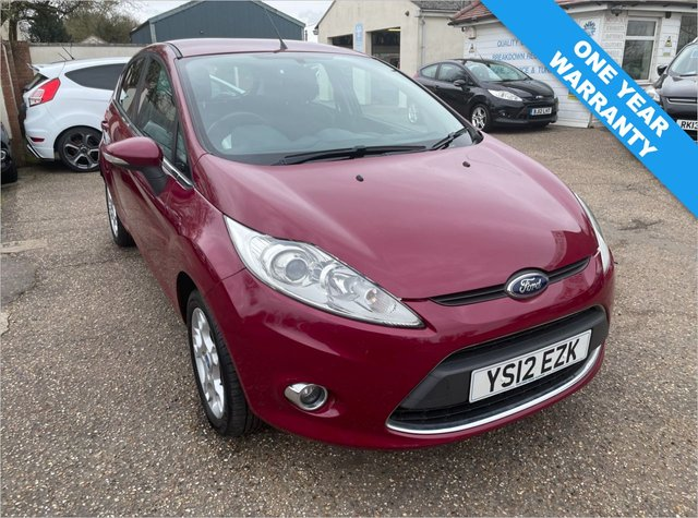 USED 2012 12 FORD FIESTA 1.2 ZETEC 5d 81 BHP ONE YEAR WARRANTY INCLUDED / ONE OWNER CAR / FULL SERVICE HISTORY / VOICE COMMS / USB / BLUETOOTH