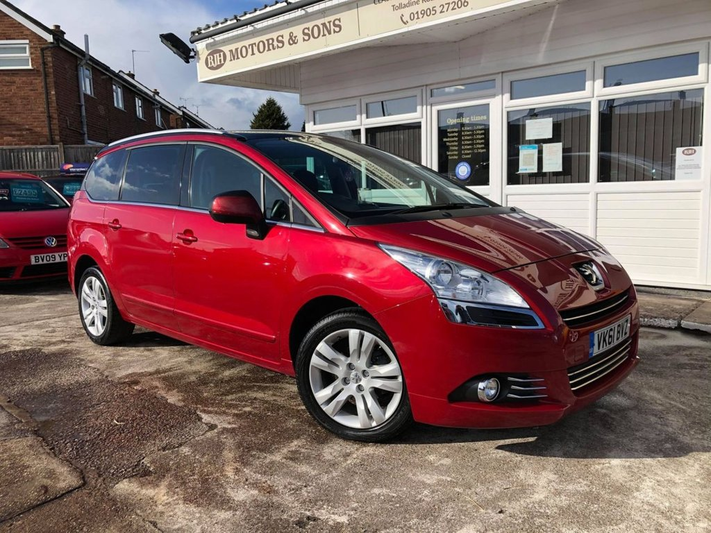 USED 2011 61 PEUGEOT 5008 1.6 HDI EXCLUSIVE 5d 112 BHP
