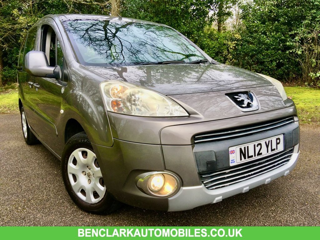 USED 2012 12 PEUGEOT PARTNER 1.6 TEPEE S HDI 5d 92 BHP ONLY 60,000 MILES//X8 PEUGEOT/SPECIALIST SERVICE STAMPS GREAT CONDITION INSIDE AND OUT////WILL COME WITH 12 MONTHS MOT