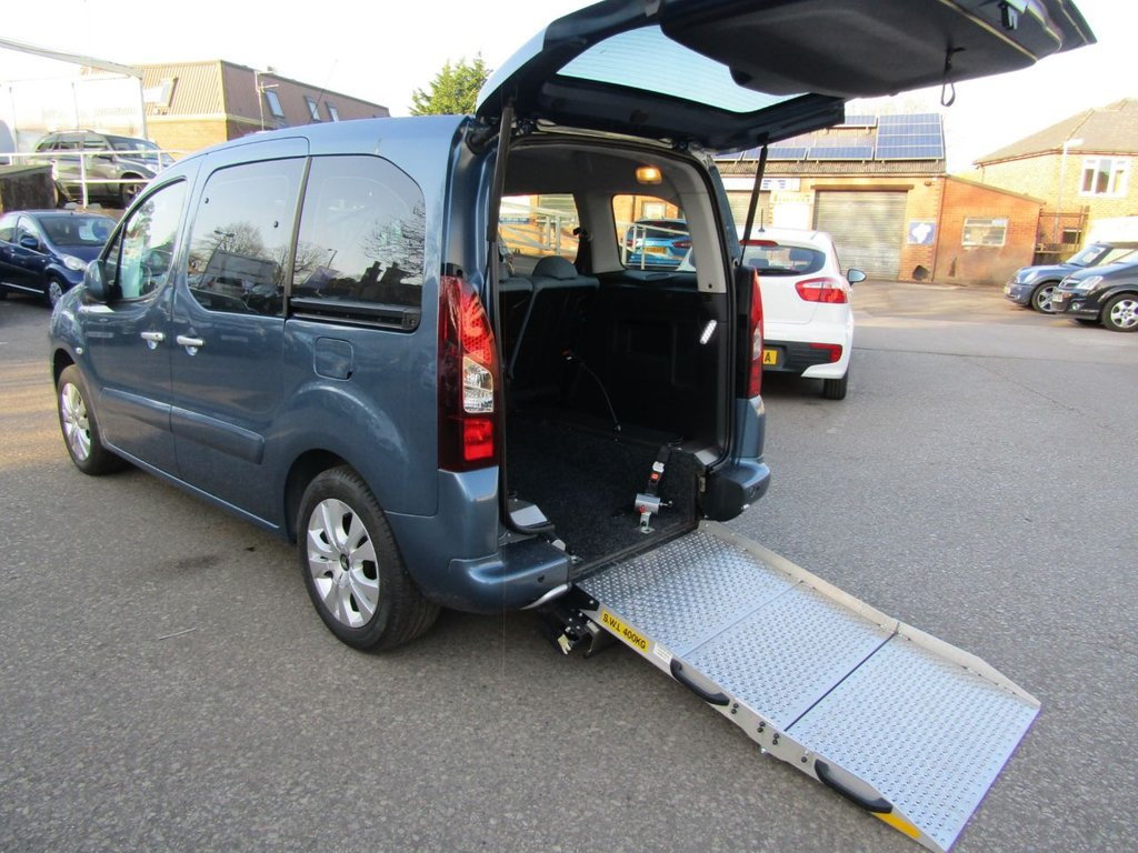 USED 2015 15 CITROEN BERLINGO MULTISPACE 1.6 HDI PLUS 5d 91 BHP Wheel chair access car ** Rare 5 seats conversion ** Lightweight alloy ramp ** professional conversion to high specification ** Immaculate condition ** low miles ** delivery possible ** Click & collect  **