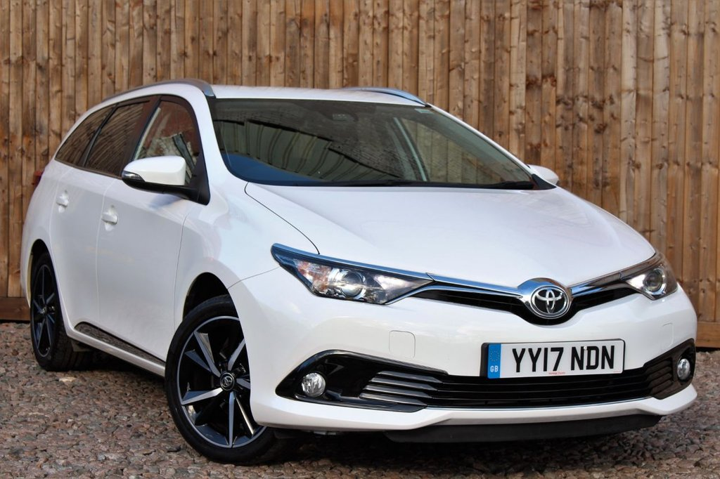 USED 2017 17 TOYOTA AURIS 1.2 VVT-i Design Touring Sports (s/s) 5dr (Safety Sense) 1 YEAR WARRANTY + FULL TOYOTA SERVICE HISTORY + JUST SERVICED + 12 MONTHS MOT
