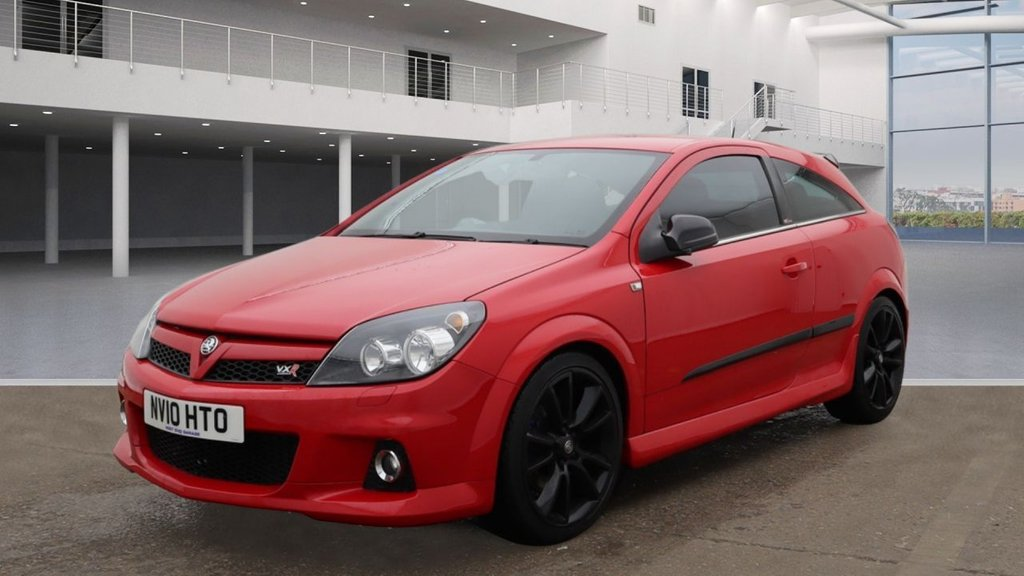 USED 2010 10 VAUXHALL ASTRA 2.0 VXRACING 3d 236 BHP * PRIVACY GLASS * RECAROS * 19 INCH ALLOYS * AIR * 9 SERVICES * MOT JULY*