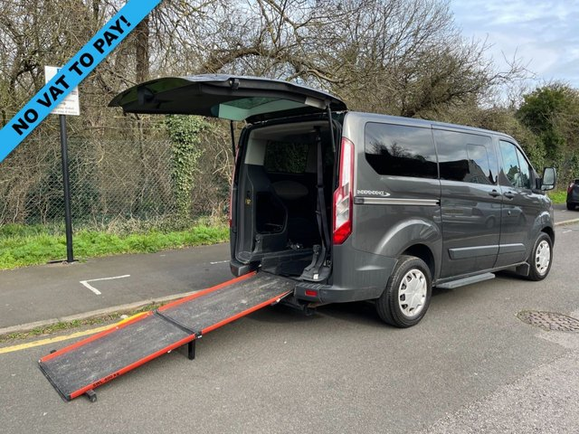 USED 2017 17 FORD TOURNEO CUSTOM 2.0 310 ZETEC TDCI 104 BHP 6 SEATER INDEPENDENCE SWB DISABLED PASSENGER MINI BUS AIR CON+ONLY 26K+RAMP+