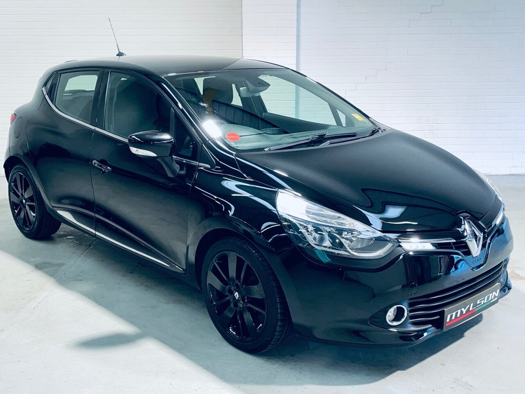 USED 2013 63 RENAULT CLIO 1.5 DYNAMIQUE S MEDIANAV ENERGY DCI S/S 5d 90 BHP Zero Road Tax, Sat Nav/Bluetooth Media System, Full Service History, AA Inspected
