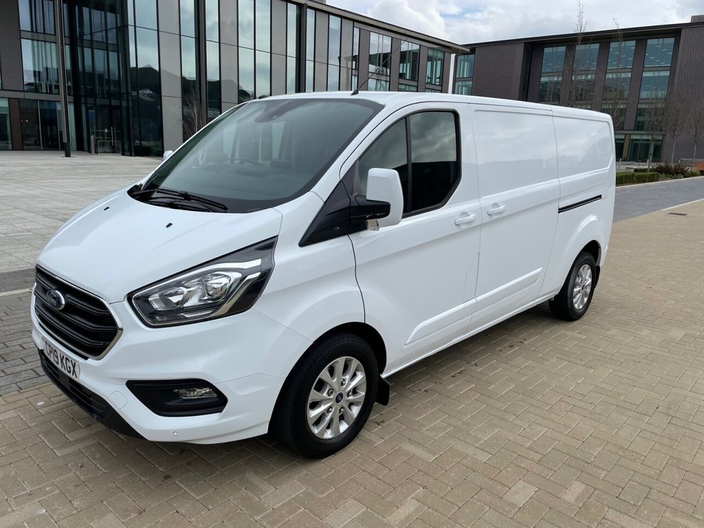 USED 2019 19 FORD TRANSIT CUSTOM 300 LIMITED 2.0TDCI AUTOMATIC EURO 6 L2H1 130ps *ALLOYS*AIRCON*SENSORS*E/PACK* LIMITED-L2-AIRCON-EURO6-ALLOYS