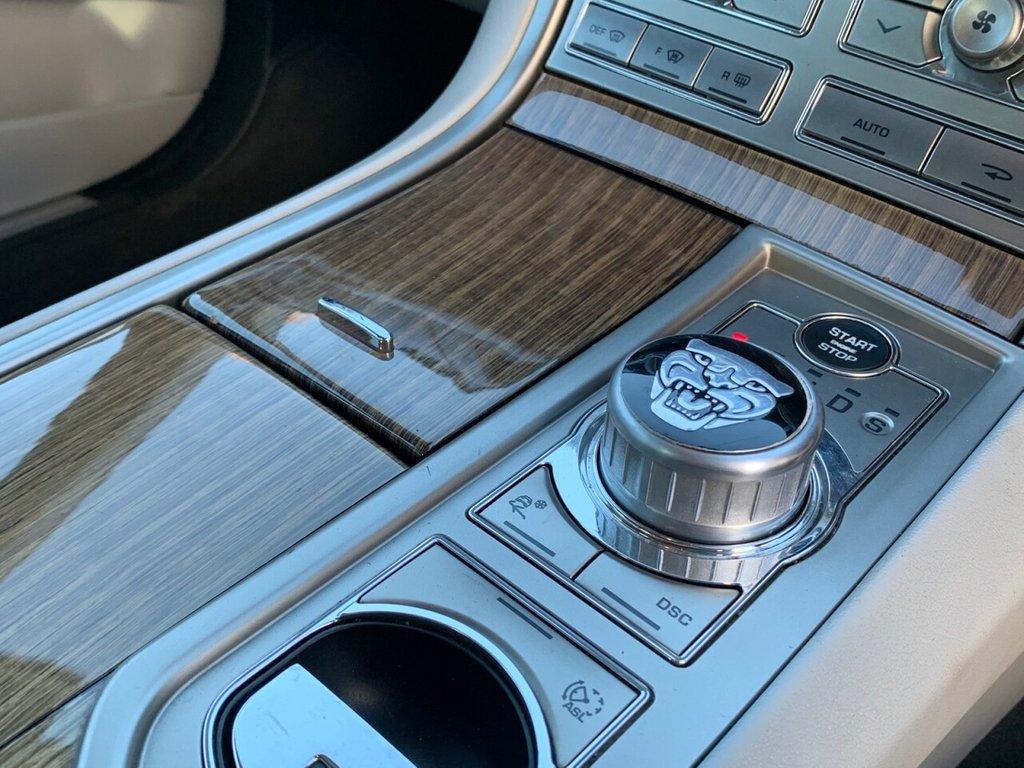 USED 2008 V JAGUAR XF 2.7 PREMIUM LUXURY V6 4d 204 BHP