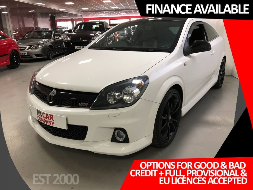 USED 2010 60 VAUXHALL ASTRA 2.0 VXR ARCTIC EDITION 3d 236 BHP * 19 INCH ALLOYS * AIR CON * MOT OCT 2021 * 2 KEYS * HEATED LEATHER  FRONT SEATS *