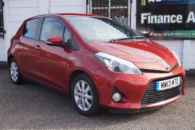 USED 2013 13 TOYOTA YARIS 1.5 T4 HYBRID 5d 75 BHP 7 Service Stamps, £0 Road tax, B/tooth, Reverse Camera