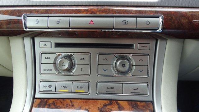 USED 2010 60 JAGUAR XF 3.0 V6 PREMIUM LUXURY 4d 240 BHP DIESEL VERY GOOD SPEC