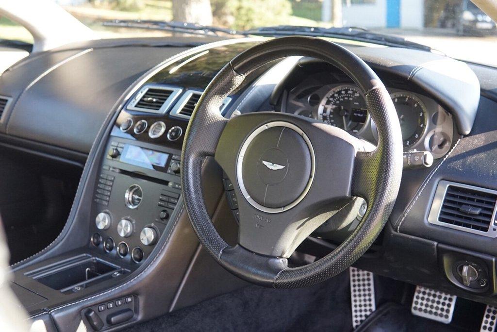 USED 2009 09 ASTON MARTIN VANTAGE 4.3 V8 ROADSTER 2d 380 BHP