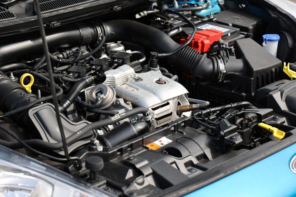 USED 2014 64 FORD FIESTA 1.0 ZETEC 5d 100 BHP