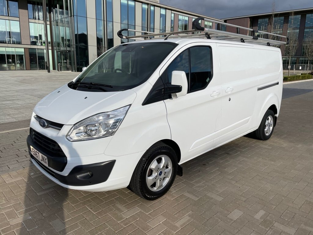 USED 2017 67 FORD TRANSIT CUSTOM 290 LIMITED 2.0TDCI L2 H1 130ps *AIRCON*ALLOYS*SENSORS*RACKING AND LADDER* A/C-ALLOYS-L2-SENSORS-LIMITED