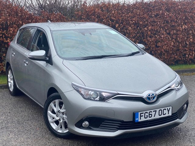 USED 2017 67 TOYOTA AURIS 1.8 VVT-I BUSINESS EDITION TSS 5d 99 BHP * AUTOMATIC * HYBRID * 12 MONTHS FREE AA MEMBERSHIP * BALANCE OF MANUFACTURERS WARRANTY *