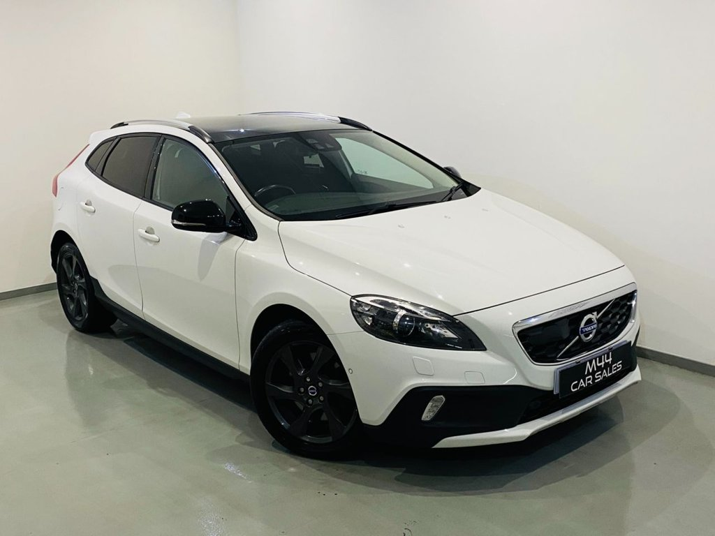 USED 2014 M VOLVO V40 2.5 T5 CROSS COUNTRY LUX NAV AWD 5d 250 BHP Bluetooth/Sat Nav/Cruise Control/Isofix/Xenons/Alloy Wheels
