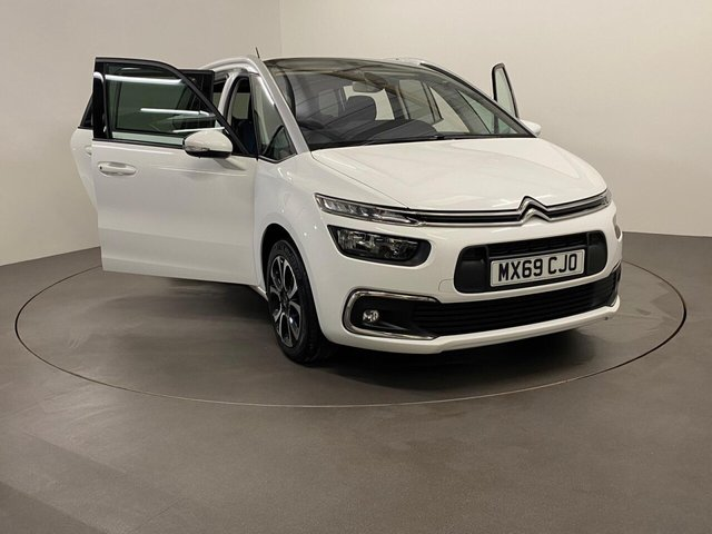 USED 2019 69 CITROEN C4 GRAND SPACE TOURER 1.5 BLUEHDI FEEL S/S 5d 129 BHP 1 Owner Low mileage 16210 Miles, Extremely well cared for and maintained , Spectacular Gloss Polar White with grey accents, Navigation and Media pack can be controlled through the Multi function steering wheel, a modern feel , attractive design with great road vision and family orientated space and storage for economical  local runs or touring     ns or touring age