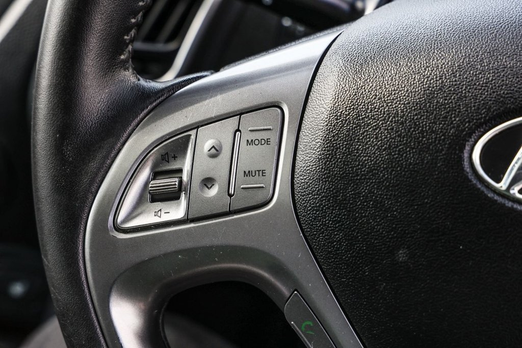 USED 2010 10 HYUNDAI IX35 2.0 PREMIUM CRDI 4WD  5d 134 BHP