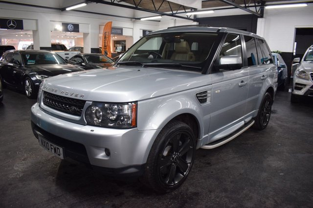 USED 2010 10 LAND ROVER RANGE ROVER SPORT 3.0 TDV6 HSE 5d 245 BHP STUNNING LOW MILEAGE FACELIFTED EXAMPLE - 5 STAMPS TO 52K - LEATHER - NAV - SUNROOF - SIDE STEPS - KEYLESS - PRIVACY GLASS  - PADDLESHIFT