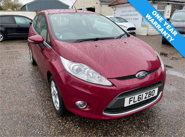 USED 2011 61 FORD FIESTA 1.2 ZETEC 3d 81 BHP ONE YEAR WARRANTY INCLUDED / ONE OWNER CAR / FULL HISTORY WITH CAM BELT DONE MARCH 2019 / VOICE COMMS / USB / BLUETOOTH
