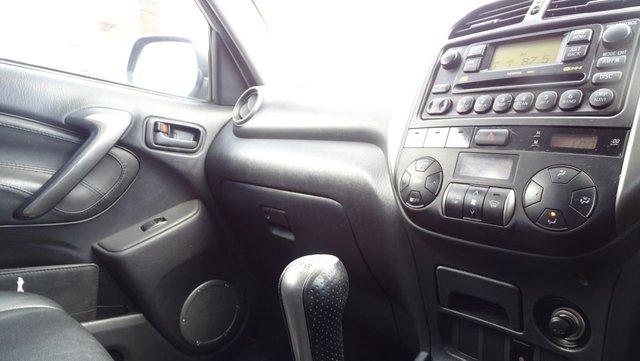 USED 2004 04 TOYOTA RAV4 2.0 XT4 VVT-I 5d 147 BHP GREAT SPEC