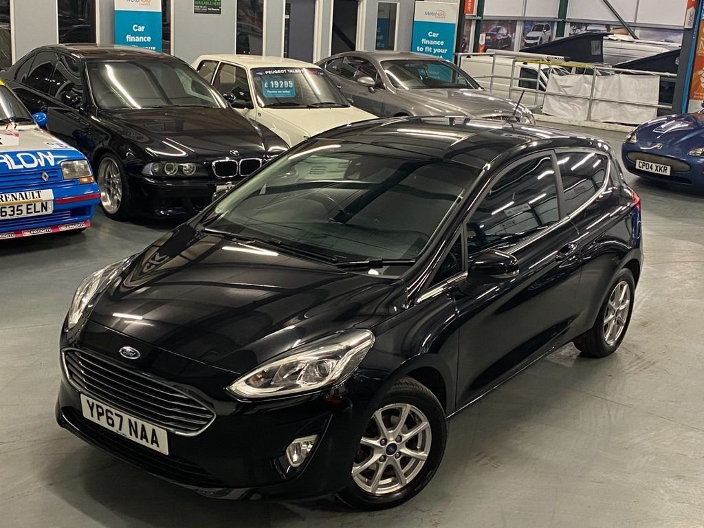 USED 2017 67 FORD FIESTA 1.1 ZETEC 3d 85 BHP 1 Private Owner, FSH