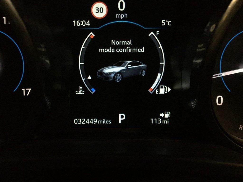 USED 2018 68 JAGUAR XE 2.0 D PORTFOLIO 4d 178 BHP