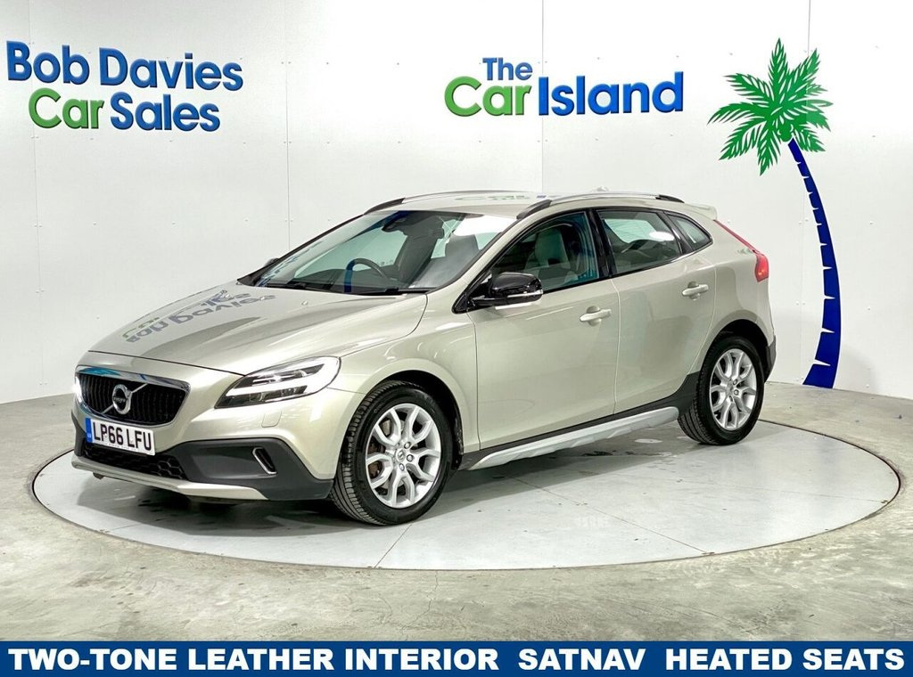 USED 2016 66 VOLVO V40 1.5 T3 CROSS COUNTRY PRO 5d 150 BHP SATNAV, Parking Aid, Full Leather 46000 miles Full SH