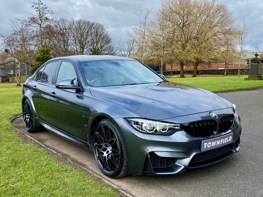 USED 2018 18 BMW M3 3.0 M3 COMPETITION PACKAGE 4d 444 BHP HEAD UP DISPLAY, MINERAL GREY / IVORY LEATHER HEATED SEATS, FULL BMW SERVICE HISTORY, HDD - SATELLITE NAVIGATION, 20 INCH FORGED ALLOY WHEELS, HARMON KARDON SOUND