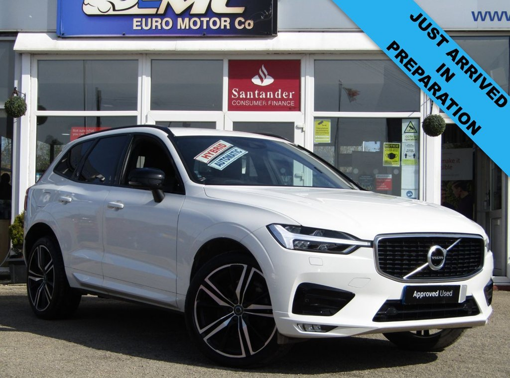 """USED 2019 69 VOLVO XC60 2.0 B5 R-DESIGN PRO AWD 5d 231 BHP Finished in ICE WHITE metallic with HEATED LEATHER trim. This upmarket family SUV is sleek, stylish, comfortable and great fun to drive.This Volvo XC60 is one of the safest and most stylish SUVs on sale, and it is a great choice if you are after a family car with a real feel-good factor. Features include Full Heated Leather Seats, 21"""" Alloys, Sat Nav, DAB, B/Tooth, Electric Tailgate, Bi-xenon headlamps and much more."""