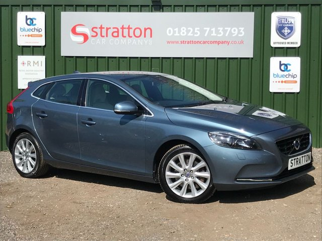 USED 2013 13 VOLVO V40 2.0 D3 SE LUX 5d 148 BHP