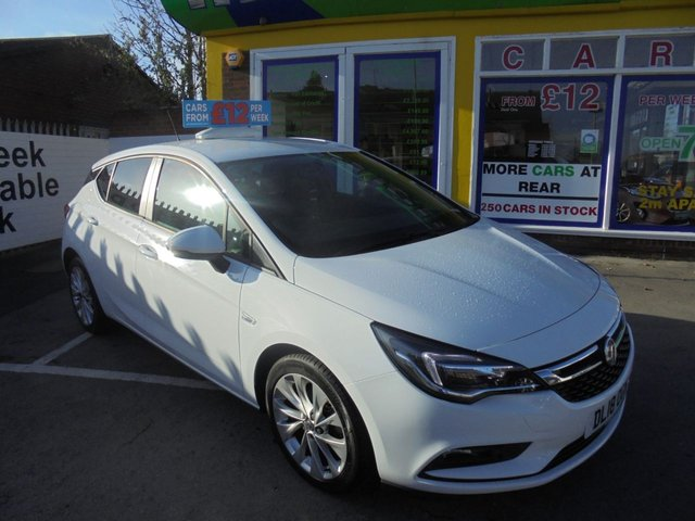 USED 2018 18 VAUXHALL ASTRA 1.4 DESIGN 5d 99 BHP CLICK AND COLLECT ON YOUR NEXT CAR