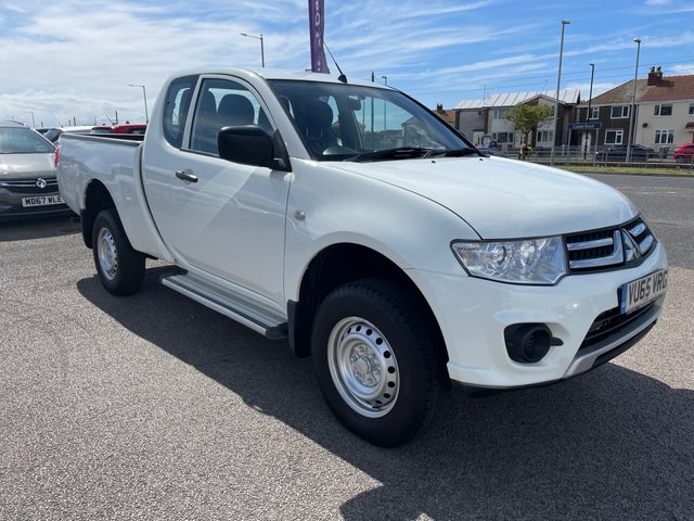USED 2015 65 MITSUBISHI L200 2.5 DI-D 4X4 4LIFE CLUB CAB 134 BHP *** FINANCE & PART EXCHANGE WELCOME *** 1 OWNER FROM NEW 4X4 DIESEL ELECTRIC WINDOWS CD PLAYER REMOTE CENTRAL LOCKING