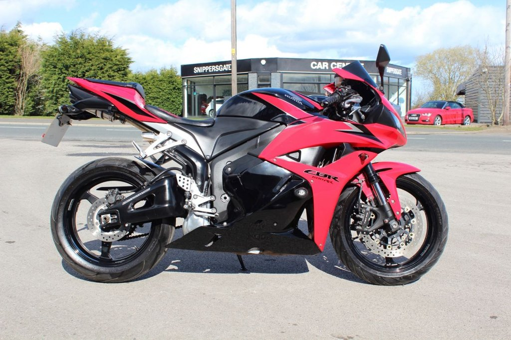 USED 2011 61 HONDA CBR 599cc CBR 600 RR-A  Red and Black, Upgraded Flip Up Tinted Screen, R&G Frame Protectors, Upgraded Seat, Tail Tidy, Upgraded Indicators, Sports Exhaust, MOT Till 14/02 2022, V5 Book Pack including owners manual and Service History.