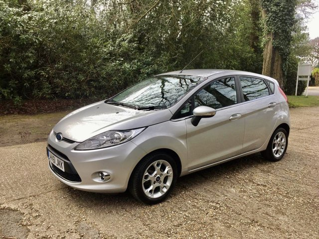 USED 2011 61 FORD FIESTA 1.4 ZETEC 16V 5d 96 BHP AUTOMATIC LOW MILEAGE FINANCE ME TODAY-PX  UK DELIVERY POSSIBLE