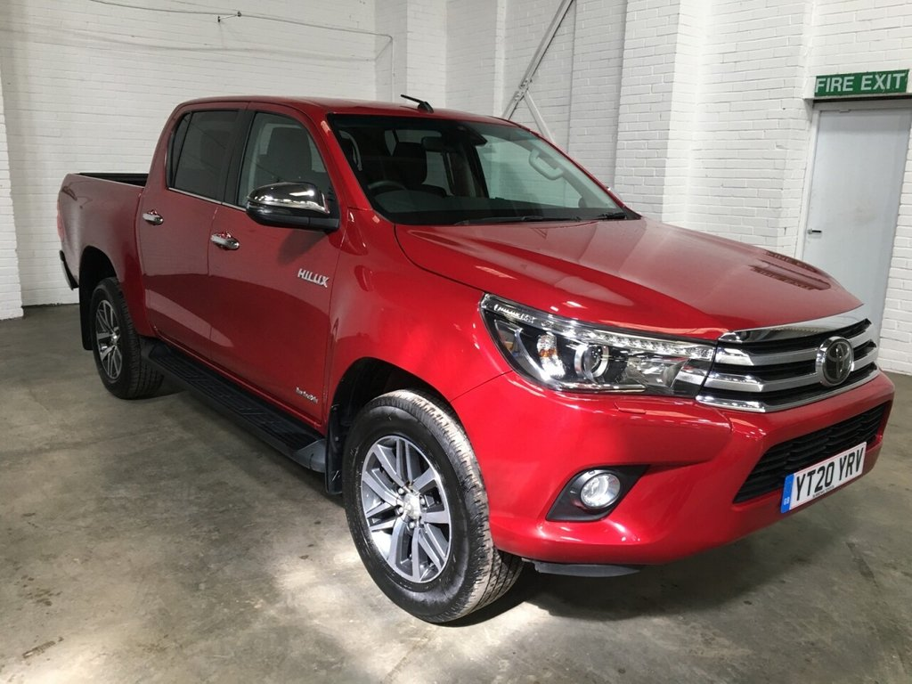 USED 2020 20 TOYOTA HI-LUX DOUBLE CAB 2.4 INVINCIBLE 4WD D-4D 150ps AUTO