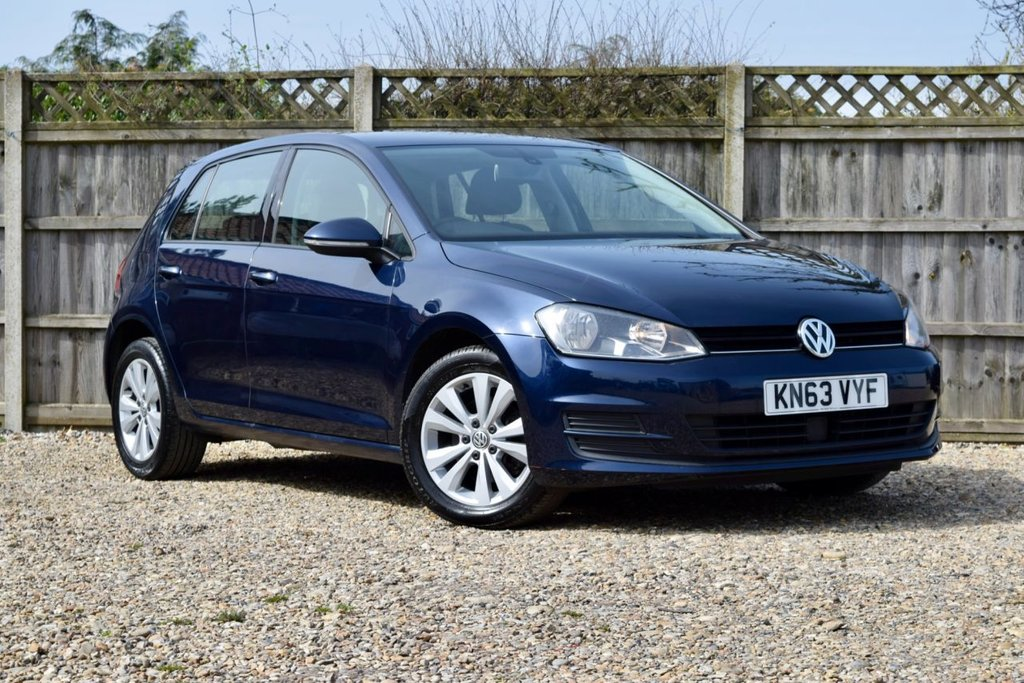 USED 2013 63 VOLKSWAGEN GOLF 1.6 SE TDI BLUEMOTION TECHNOLOGY 5d 103 BHP Free 12  month warranty