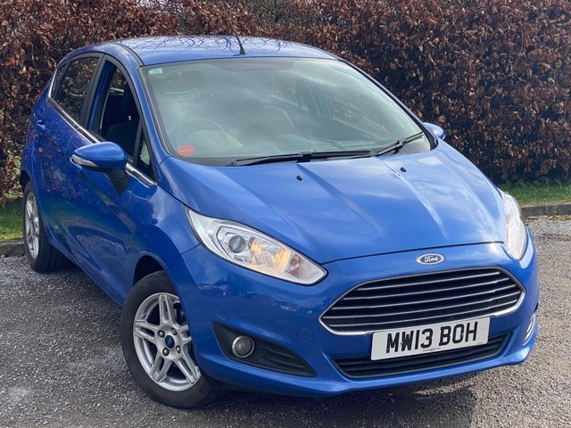 USED 2013 13 FORD FIESTA 1.0 ZETEC 5d LOW MILEAGE, FULL SERVICE HISTORY, MOT DECEMBER 2021, BLUETOOTH, REAR PARKING SENSORS