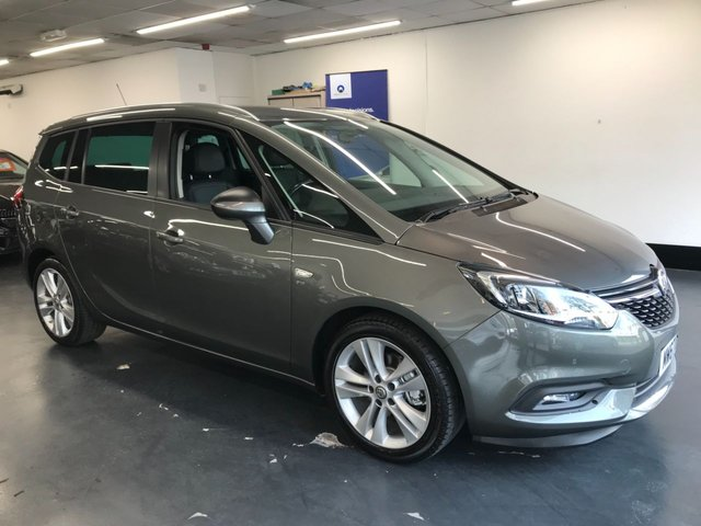 USED 2017 67 VAUXHALL ZAFIRA TOURER 1.4 SRI NAV 5d 138 BHP 1 owner from new, front and rear parking sensors, touchscreen satnav, 7 seater, leather heated seats, privacy glass