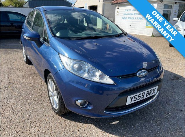 USED 2009 59 FORD FIESTA 1.2 ZETEC 5d 81 BHP ONE YEAR WARRANTY INCLUDED / VOICE COMMS / USB/ BLUETOOTH / EXCELLENT SERVICE HISTORY