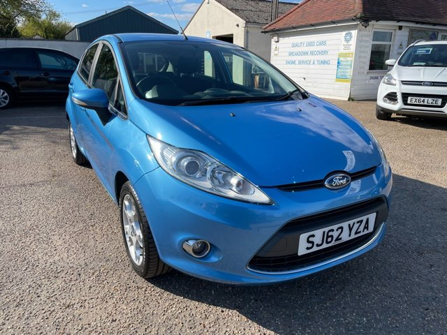 USED 2012 62 FORD FIESTA 1.2 ZETEC 5d 81 BHP ONE YEAR WARRANTY INCLUDED / FULL HISTORY