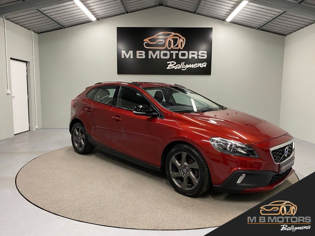 USED 2014 VOLVO V40 CROSS COUNTRY LUX 1.6 D2 5d 113 BHP