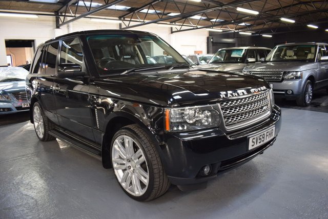 USED 2009 59 LAND ROVER RANGE ROVER 3.6 TDV8 VOGUE SE 5d 271 BHP STUNNING CONDITION - MY2010 FACELIFT - 3.6 TDV8 VOGUE SE - 9 LANDROVER SERVICE STAMPS TO 85K - NAV - TV - DUAL VIEW - 22 INCH ALLOY WHEELS - ADAPTIVE CRUISE