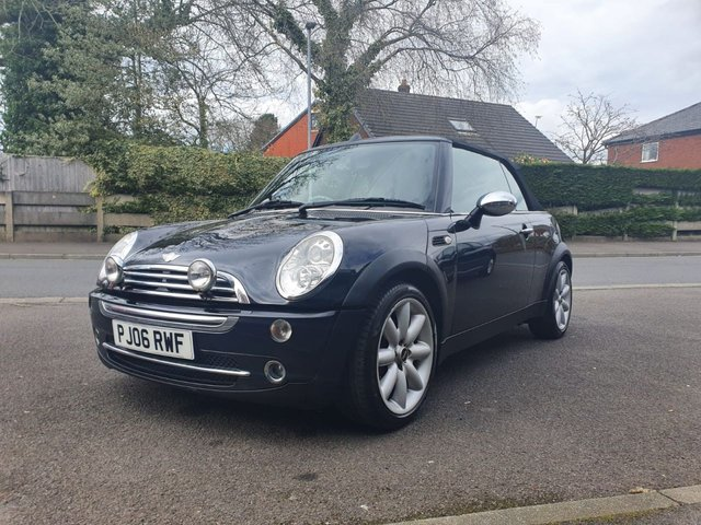 USED 2006 06 MINI CONVERTIBLE 1.6 COOPER 2d 114 BHP HERE COMES SUMMER, CANT GO ABROAD, GET THE ROOF DOWN GET A TAN