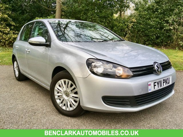 2011 11 VOLKSWAGEN GOLF 1.2 S TSI 5d 84 BHP ONLY 49,500 MILES / X11 VW/SPECIALIST STAMPS