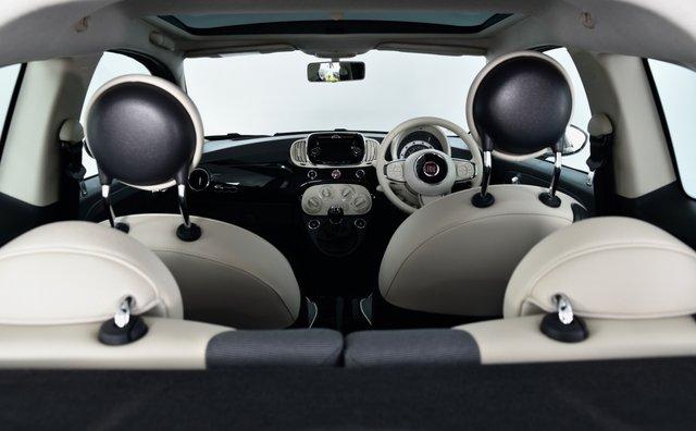 USED 2017 17 FIAT 500 1.2 8V Lounge (s/s) 3dr Pan Roof, Bluetooth, DAB Radio