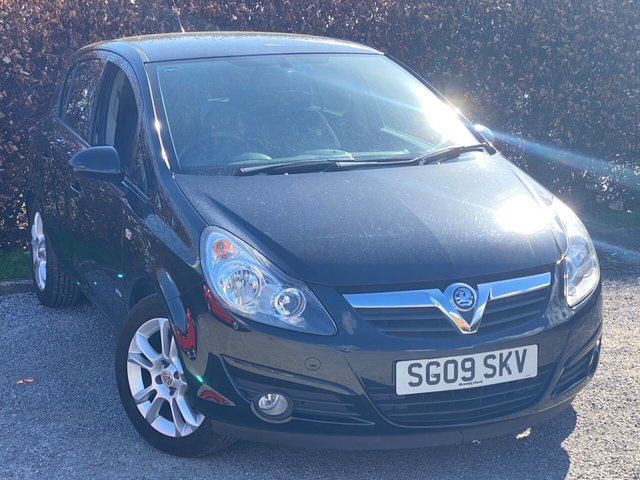 USED 2009 09 VAUXHALL CORSA 1.4 SXI 16V 5d FULL SERVICE HISTORY, MOT UNTIL MARCH 2022, MULTI FUNCTION STEERING WHEEL, REAR PRIVACY GLASS