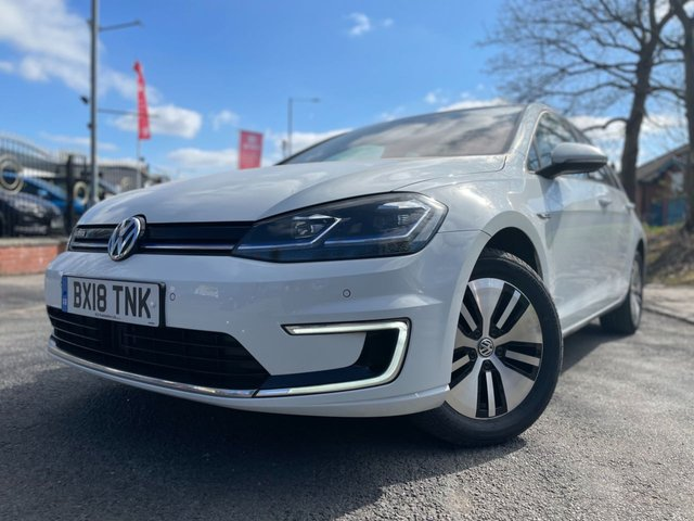 USED 2018 18 VOLKSWAGEN GOLF 0.0 E-GOLF 5d 135 BHP 2 KEYS+FSH+1 OWNER FROM NEW+£0 ROAD TAX+BLUETOOTH+AIR CON+USB+HEATED WINDSCREEN+PRIVACY GLASS+CLIMATE+PARKING SENSORS+NAVIGATION SYSTEM+ALLOYS+AUX+DAB+